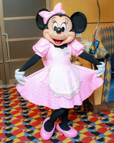 Minnie Mouse Images, Mickey Minnie Mouse, Disney Plus, Disney Love, Disney Characters Costumes, Fun Songs, Singing, Drawings