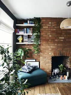 Home Decor – Living Room : Bring warmth and personality to an alcove using greenery and deep, rich colours. Home Living Room, Living Room Decor, Living Spaces, Cottage Living Rooms, Loft Interior, Home Interior Design, One Bedroom Flat, Exposed Brick Walls, Retro Home Decor