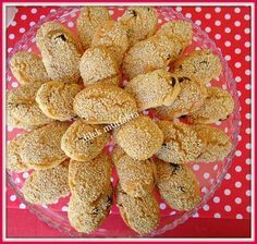 Even those who do not like cookies crazy madırırcak stale this delicious cookie friend from Emel try to regret Tea Time Snacks, Party Snacks, Sweet Cookies, Yummy Cookies, Cookie Recipes, Snack Recipes, Dessert Recipes, Mini Cheesecakes, Turkish Recipes