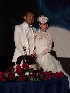 ショートヘアでも大丈夫♪結婚式で花嫁さんにオススメの髪型ランキング | ランキングシェア byGMO Celebs, Couples, Naver, Dresses, Bridal Hairstyle, Weddings, Hair Style, Fashion, Tatoo