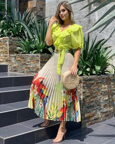 Indian Fashion Dresses, African Fashion, Fashion Outfits, Paris Chic, Looks Chic, Western Dresses, Classy Outfits, Skirt Outfits, I Dress