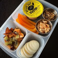 Thursday's gluten free and meatless lunch idea! Packed in #EasyLunchboxes containers