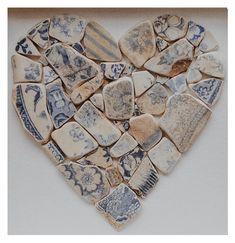 Sea Glass Crafts, Sea Glass Art, Mosaic Diy, Mosaic Crafts, Broken China Crafts, Mosaic Art Projects, Glass Art Pictures, Mosaic Flower Pots, Seashell Art