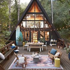Tiny House Cabin, Tiny House Living, Cabin Homes, Small Cottage House, Tree House Homes, Wood Cottage, Silo House, Cabin Loft, Diy Cabin
