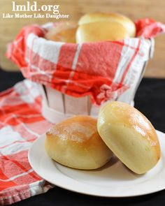 Copycat recipe of texas roadhouse rolls - These delicious soft and fluffy rolls are made at home so you can enjoy their great taste without going out. Great topped with homemade honey butter!