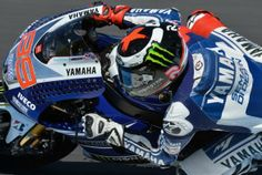 2013 : Jorge Lorenzo : Phillip Island : Hole-drilled fairing to deal with the wind
