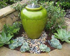 Sol-en-pierre-fontaine-de-jardin-vase-céramique
