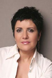 Majitelka Salonu Korunka Jana Petráková. Pokud vám přijde povědomá, možná jste ji viděli v některém časopisu v sekci kosmetická poradna nebo na televizní obrazovce v pořadu Sama doma.