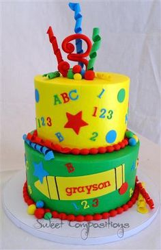 Love the primary colors on this ABC 123 birthday cake!