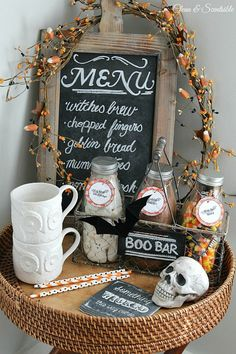 If you are looking for some fun Halloween drinks, try this cute Halloween hot chocolate bar! It's perfect for Halloween parties or a warm fall treat! Halloween Drinks, Halloween Bats, Holidays Halloween, Halloween Decorations, Halloween Ideas, Halloween 2015, Halloween Stuff, Happy Halloween, Halloween Queen
