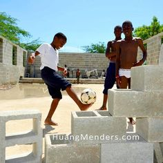 It is amazing how universal #futbol / #football / #soccer is around the world. We found these boys in Williamson Haiti at #worldwidevillage playing inside a construction site for boundaries between classes having the time of their lives. It was great seeing them playing in a safe and nurturing environment amidst the chaos of Haiti. Check them out at http://ift.tt/1JGp7vs! #simplepleasures #savethechildren #huangmenders #bigideas #bigpeople #bigchanges #allshapesandsizes #fifa To see insider…