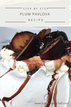 Plum Pavlova With Red Wine Sauce This beautiful traditional Plum Pavlova is topped with whipped cream, boozy poached plums and chocolate shavings. Its easy recipe will please you. It surely is one of the best fall desserts and the ultimate Fall Dessert Recipes, Great Desserts, Summer Desserts, Delicious Desserts, Pavlova Toppings, Pavlova Cake, Pavlova Recipe, Fall Candy, Wine Sauce