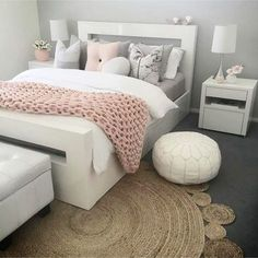 Blush Pink Bedroom Ideas – Dusty Rose Bedroom Decor and Bedding I Love – Bedroom Inspirations Dusty Pink Bedroom, Rose Bedroom, Pink Bedrooms, Bedroom Black, Girls Bedroom, Bedroom Yellow, Master Bedroom, Master Suite, Couple Bedroom
