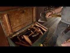 VIDEO: Woodworking Tour: 1820s Tool Chest at the Frontier Culture Museum (WoodAndShop.com)