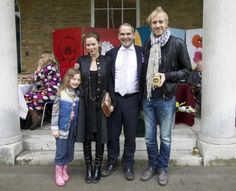 Rhys Ifans with Anna and her adorable daughter Gracie <3