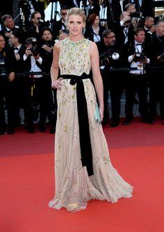 Cannes 2016 - Lara Stone in Prada - Day 7 (montée des marches Julieta)