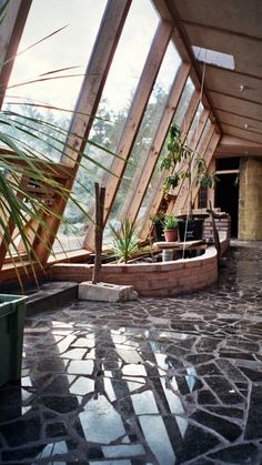 One Day, I will have something like this in my house! self sustainable house! No electric bill, gas bill, water bill! Never goes below 65 degree and never above 75 degrees! MY DREAM is to build and own my own EARTHSHIP! Architecture Durable, Architecture Design, Sustainable Architecture, Sustainable Design, Sustainable Living, Residential Architecture, Contemporary Architecture, Sustainable Houses, Nachhaltiges Design
