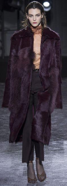Fall 2016 Ready-to-Wear Nina Ricci