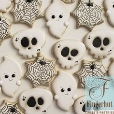 Time to bust out the Halloween decorations! Halloween Cookies Decorated, Halloween Sugar Cookies, Halloween Baking, Halloween Goodies, Halloween Desserts, Halloween Cakes, Halloween Themes, Halloween Decorations, Halloween Halloween