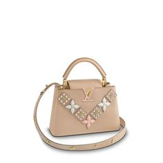 LOUIS VUITTON Official USA Website - Discover Louis Vuitton's handbags and iconic bags for women, made with outstanding craftsmanship and quality materials. Tienda Louis Vuitton, Louis Vuitton Store, Vintage Louis Vuitton, Lv Handbags, Louis Vuitton Handbags, Fashion Handbags, Luxury Handbags, Miu Miu, Louis Vuitton Collection