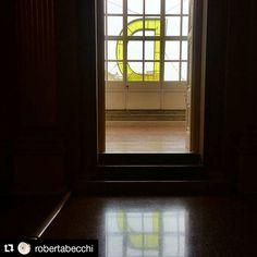 #Repost @robertabecchi Uno va a Rimini per la spiaggia il sole il bagno in mare il divertimento e altra roba. E c'e' chi va a Rimini per la Biennale del Disegno. #biennalerimini #MyBiennaleRN