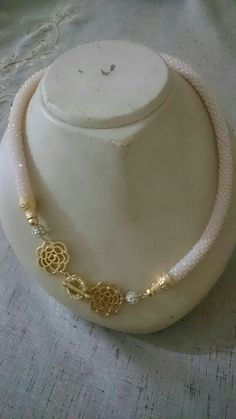 This Pin was discovered by Cey Rope Necklace, Leather Necklace, Beaded Necklace, Beaded Bracelets, Bead Jewellery, Seed Bead Jewelry, Beaded Jewelry, Handmade Necklaces, Handmade Jewelry
