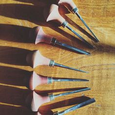 Pfeil Lino Cutting Tools Guide. These are the best lino cutting tools available, perfect for carving your next great linoprint design.