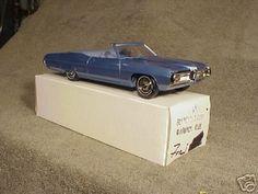 1967 Pontiac Bonneville Convertible promo model Promotional Model, Pontiac Bonneville, Vintage Models, Model Car, Scale Models, Convertible, Trucks, Cars, Templates