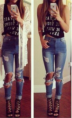 jeans rotos y tacnoes