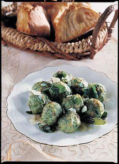 Gnocchetti di pane con spinaci