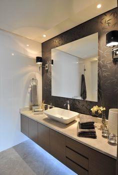 Dumankaya Ritim İstanbul Örnek Daire - Banyo Işıklandırmaya ve ayna arkasındaki duvar kağıdına dikkat Bathroom Designs, Bathroom Lighting, Mirror, Decoration, Furniture, Home Decor, Washroom, Bathroom, Rustic Homes