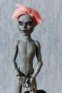 Monster High Boys, Custom Monster High Dolls, Monster Dolls, Monster High Repaint, Custom Dolls, Doll Repaint, Ooak Dolls, Statue, Pets