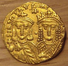 Gold Solidus of Konstantinos VI with his mother Irene of Athens. 780-790 Monnaie de Paris Soldo em ouro de Constantino VI com a sua mãe Irene de Atenas. 780-790 Monnaie de Paris