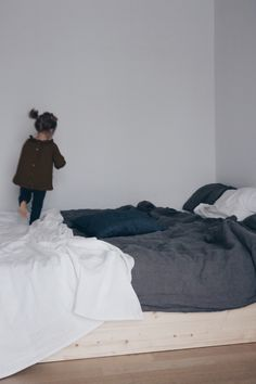DIY Anleitung // Minimalisitisches Familienbett Mit Eve Matratze