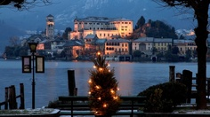 Lake Orta, Piemonte, Italy - I want to have dinner here.