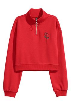 Short top in sweatshirt fabric with a stand-up collar and zip at the top. Dropped shoulders, long sleeves and ribbing at the cuffs and hem. Teen Fashion Outfits, Cool Outfits, Trendy Outfits, Red Long Sleeve Tops, Aesthetic Shirts, Red Hoodie, Collared Sweatshirt, Short Tops, Long Tops