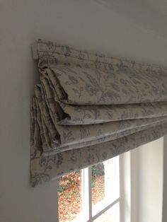 Cabbages and Roses Roman Blind