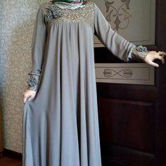 Помните эти платьюшки?)) Следующая участница @summay_yasmina под номером 7⃣ #фотоотчет . ПЛАТЬЯ В ПРОДАЖЕ УЖЕ НЕТ)))) Moslem Fashion, Niqab Fashion, Skirt Fashion, Fashion Dresses, Muslim Dress, Hijab Dress, Dressy Dresses, Cute Dresses, Hijab Style