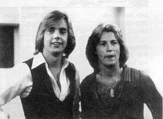 Shaun Cassidy & Andy Gibb Performed at the WRKO Benefit Concert For Children's Hospital Boston December 1977 Shaun Cassidy Now, David Cassidy, Crush Stories, Bay City Rollers, Donny Osmond, Barry Gibb, First Crush, Rock Songs, No One Loves Me