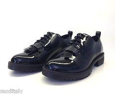 APEPAZZA scarpe donna HRL45 ARIELLE NERO FRANGE stile inglese  41b9228c6c2