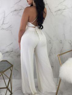 Pantalones de pierna ancha con espalda descubierta y sin espalda Cruise Outfits, Summer Dress Outfits, White Outfits, Casual Outfits, Two Piece Outfits Pants, Ankara Dress Styles, Womens Fashion Online, Wide Leg Pants, African Fashion