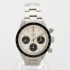 Rolex Daytona 6265 - Unmistakable and highly sought after, this example of the Rolex Daytona, reference 6265 has a reference 6263 bezel fitted, (these were often swapped in period). With a manufacture date of 1979, with a 552*** serial, our Rolex Daytona presents extremely well.