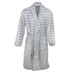 This ultra soft fleece robe will keep you warm and cozy on cool evenings. The shawl collared robe features piping trim on the patch pockets and the collar. This luxurious robe is ideal for gift giving for the distinguished gentleman with impeccable taste.