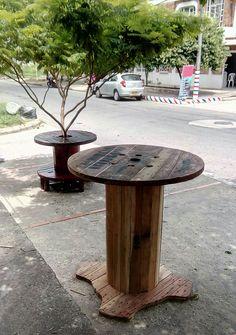 Mesabar, en carrete de madera reciclado!