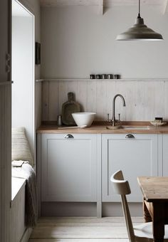 If you are looking for Scandinavian Kitchen Decor Ideas, You come to the right place. Below are the Scandinavian Kitchen Decor Ideas. Kitchen Lighting Design, Rustic Kitchen Design, Country Kitchen, Danish Kitchen, Scandinavian Kitchen, Scandinavian Lighting, Kitchen Cupboard Designs, Black Kitchen Cabinets, Kitchens