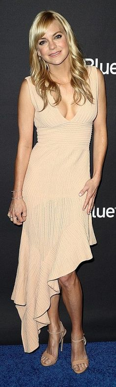 """Anna Faris in Ronny Kobo attends the """"Mom"""" panel during PaleyFest in L.A. #bestdressed"""