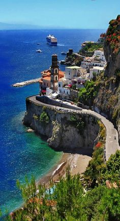 popular places in italy - Tuscany, Italia, Provence, France - popular places in italy - Amalfi Coast, Italy Vacation, Italy Travel, Places To Travel, Places To See, Cities, All Inclusive Vacations, Places In Italy, Travel Videos