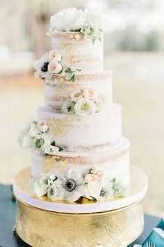 Naked Wedding Cake // Elegant Hunter Green Wedding in Central Florida via – İnteresting Cake İdeas Naked Wedding Cake, Elegant Wedding Cakes, Bramble, Orlando Wedding, Cake Table, Green Wedding, Spring Wedding, Savoury Cake, Minimalist Wedding