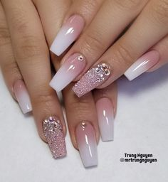 This series deals with many common and very painful conditions, which can spoil the appearance of your nails. But for you, nail technicians, this is not a problem! SPLIT NAILS What is it about ? Nails are composed of several… Continue Reading → Sexy Nail Art, Sexy Nails, Glam Nails, Hot Nails, Pink Nails, Glitter Nails, Nails Acrylic Coffin Glitter, White Nails With Glitter, Cute Acrylic Nail Designs