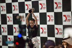 Luke Bannister celebrando su victoria en el World Drone Prix